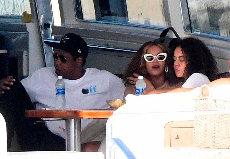 Beyoncé et Jay-Z sont sur un bateau...