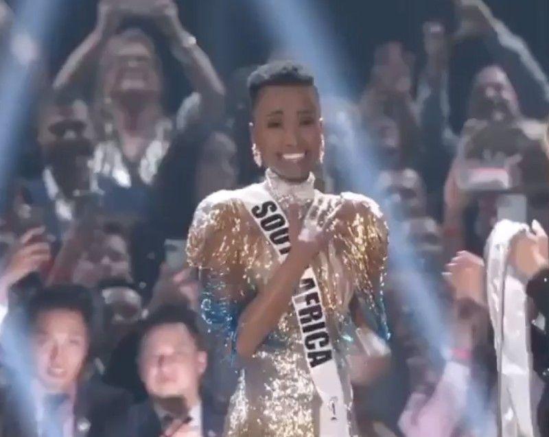 Photos : découvrez Zozibini Tunzi, la jeune femme élue Miss Univers 2019 !