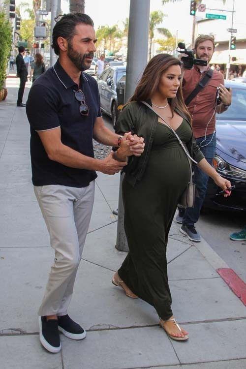 Eva Longoria : comment fait-elle pour rester aussi sublime à 8 mois de grossesse ?