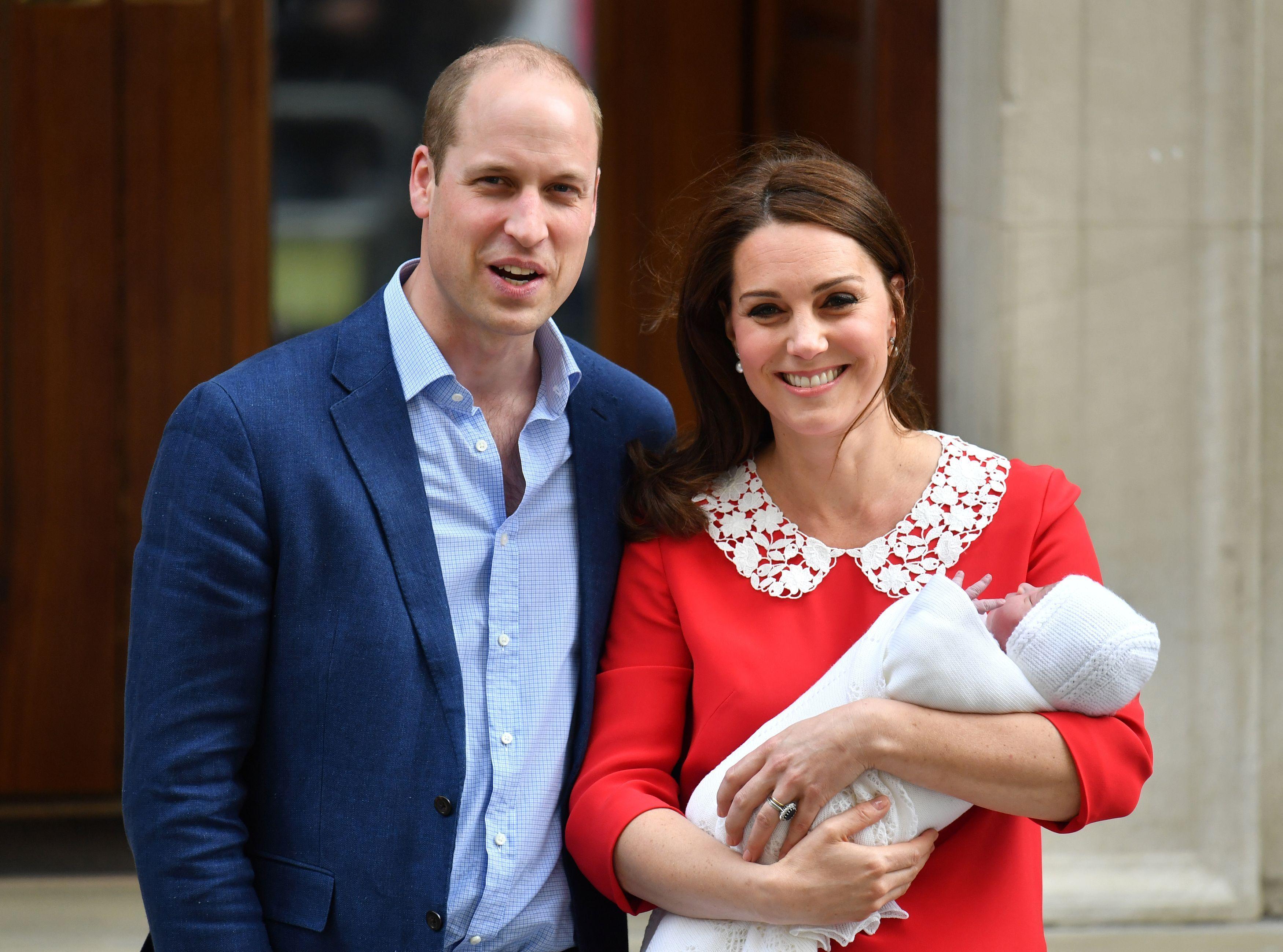Kate Middleton et le Prince William présentent leur troisième enfant