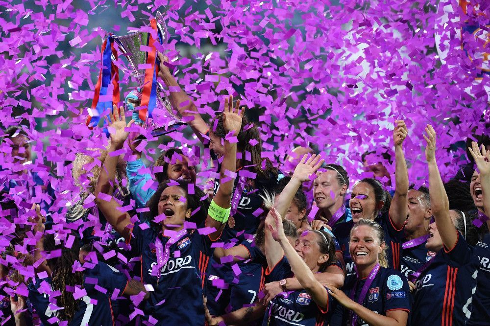 L'Olympique Lyonnais sur le toit de l'Europe !