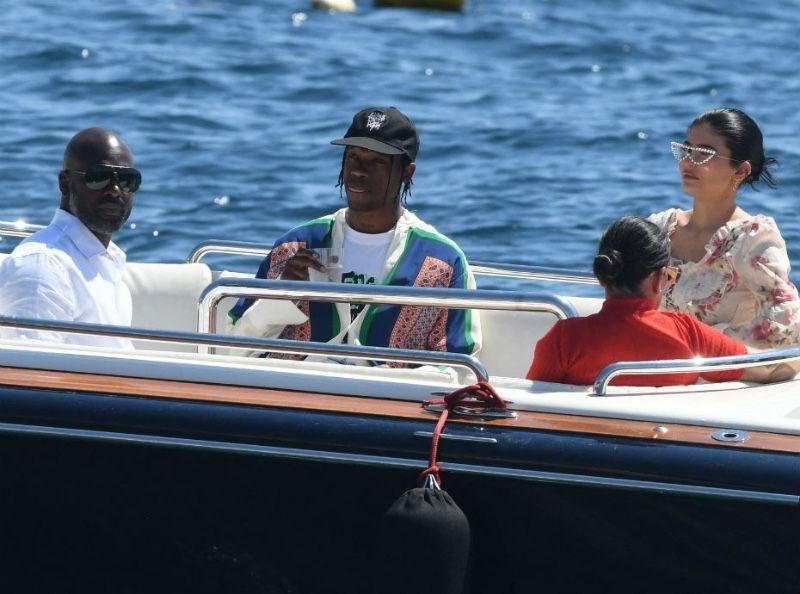 Photos : Le clan Kardashian/Jenner en vacances dans le Sud de la France... Dépensent-ils trop d'argent ?