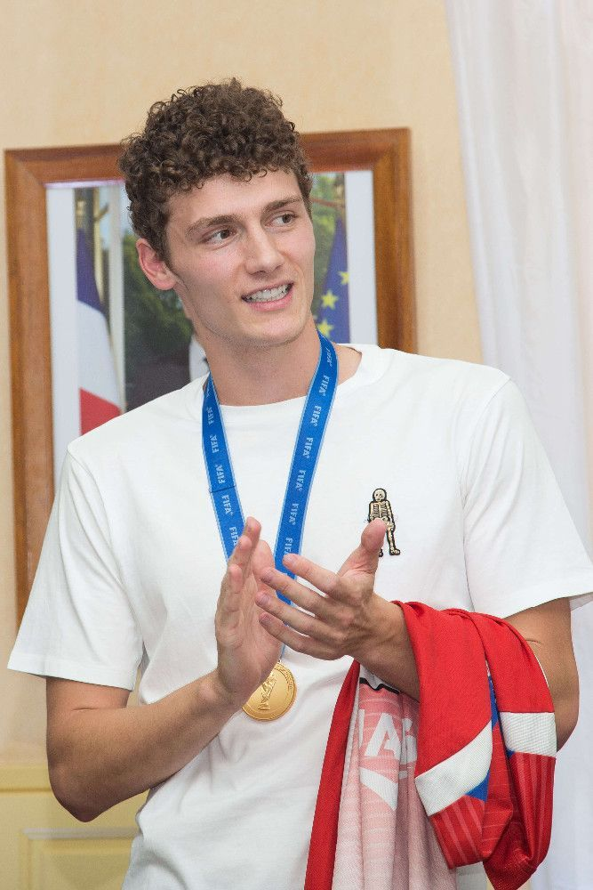 Mondial 2018 : Benjamin Pavard accueilli comme une rockstar !