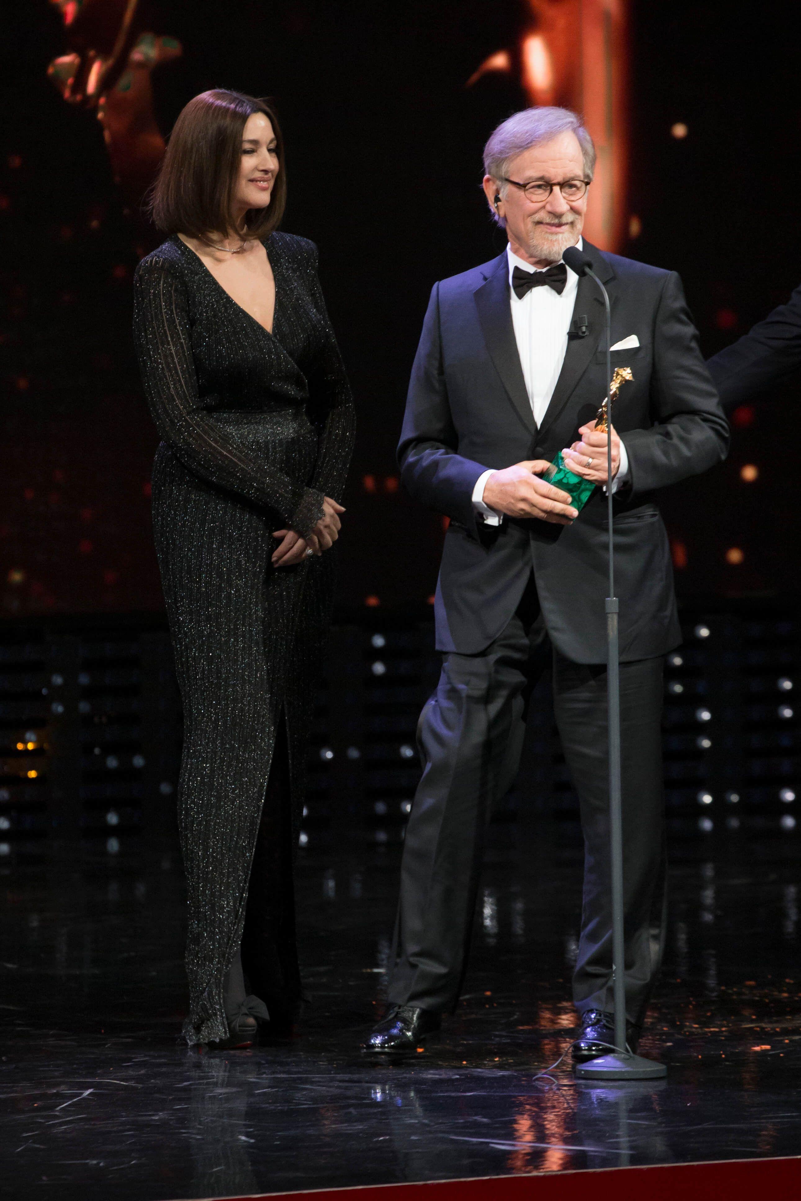 Monica Bellucci : Sublimissime à Rome devant Steven Spielberg !