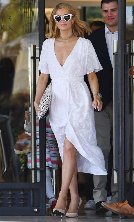 Paris Hilton : bombesque et folle amoureuse !