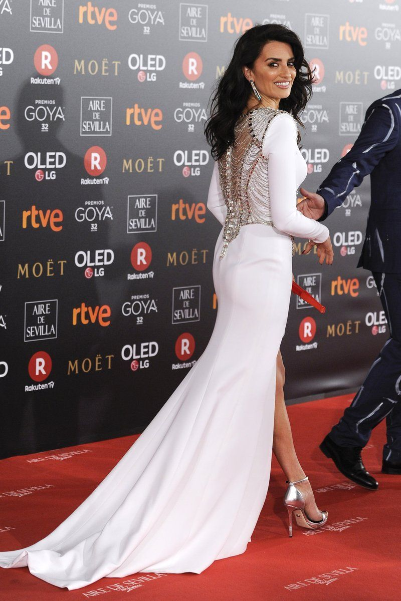 Penelope Cruz : cet accessoire qu'elle a dégainé sur le tapis rouge... pour dénoncer le sexisme !