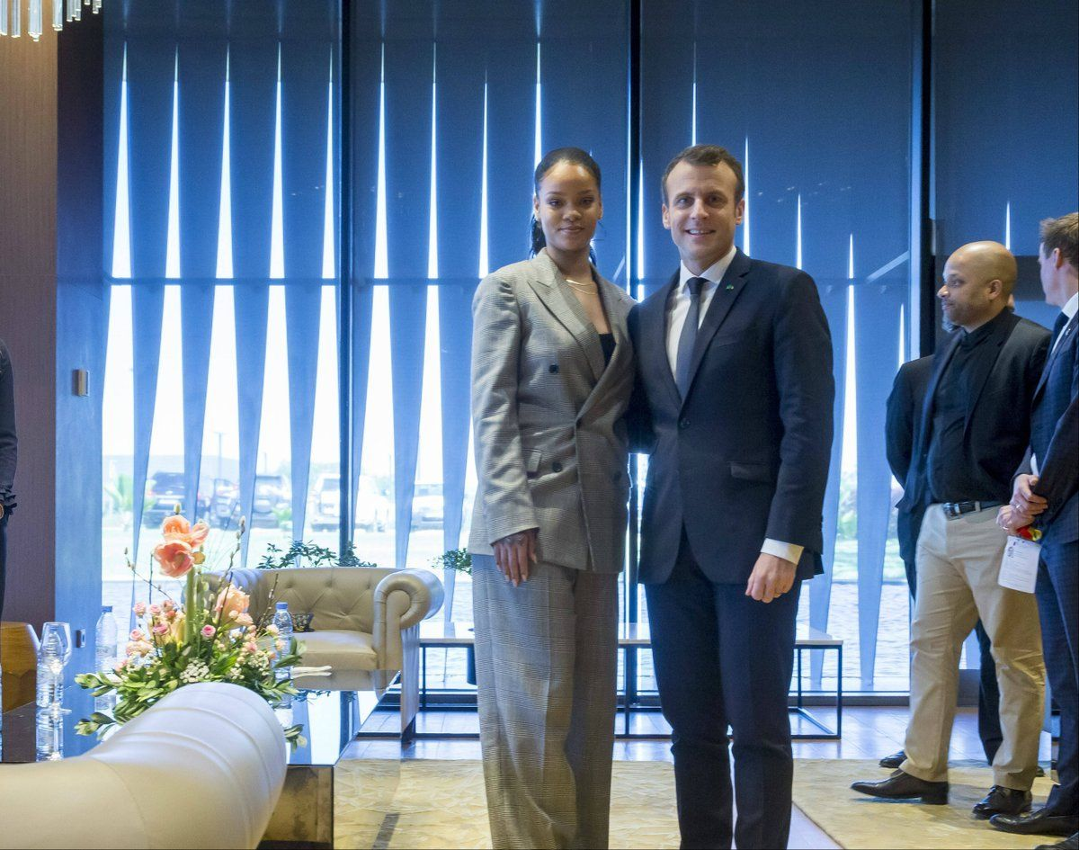 Photos Rihanna Et Emmanuel Macron Un Duo De Choc