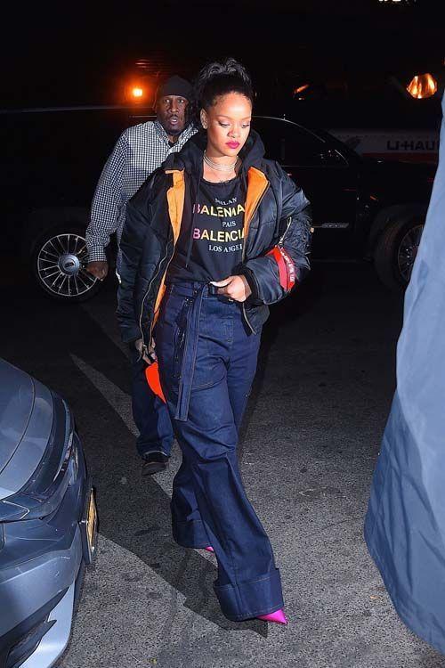 Rihanna prend du bon temps entre amis après ses