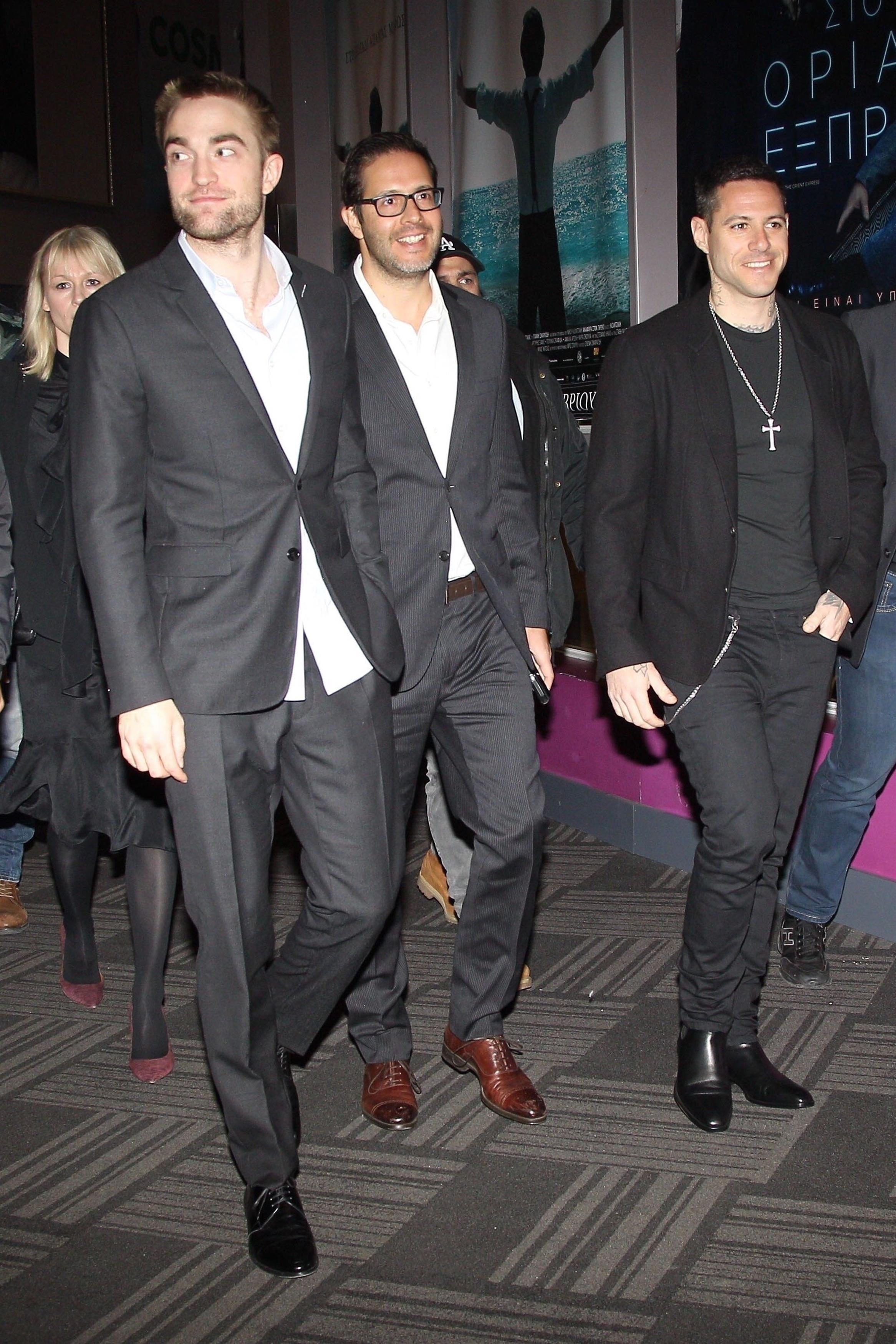Robert Pattinson : L'acteur prend du Good Time à Athènes !