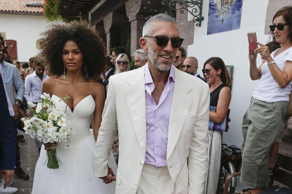 Photos  Vincent Cassel et Tina Kunakey se sont mariés Découvrez les  premières images !