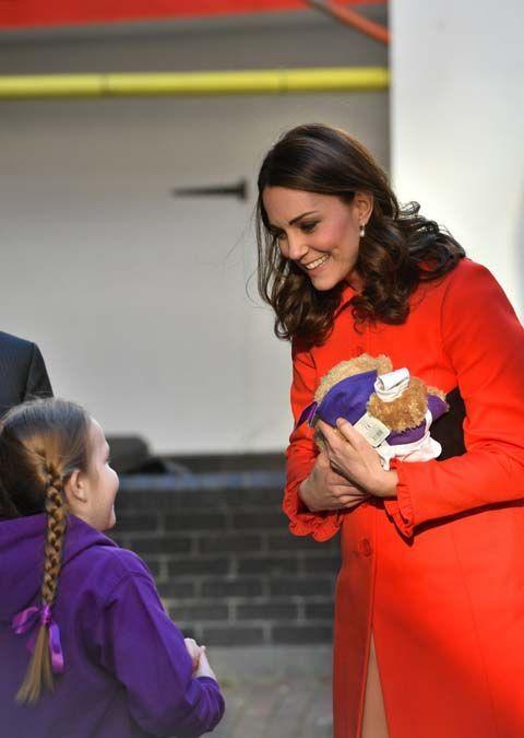 Public Royalty : Alerte ! Kate Middleton ne porte plus sa bague de fiançailles !