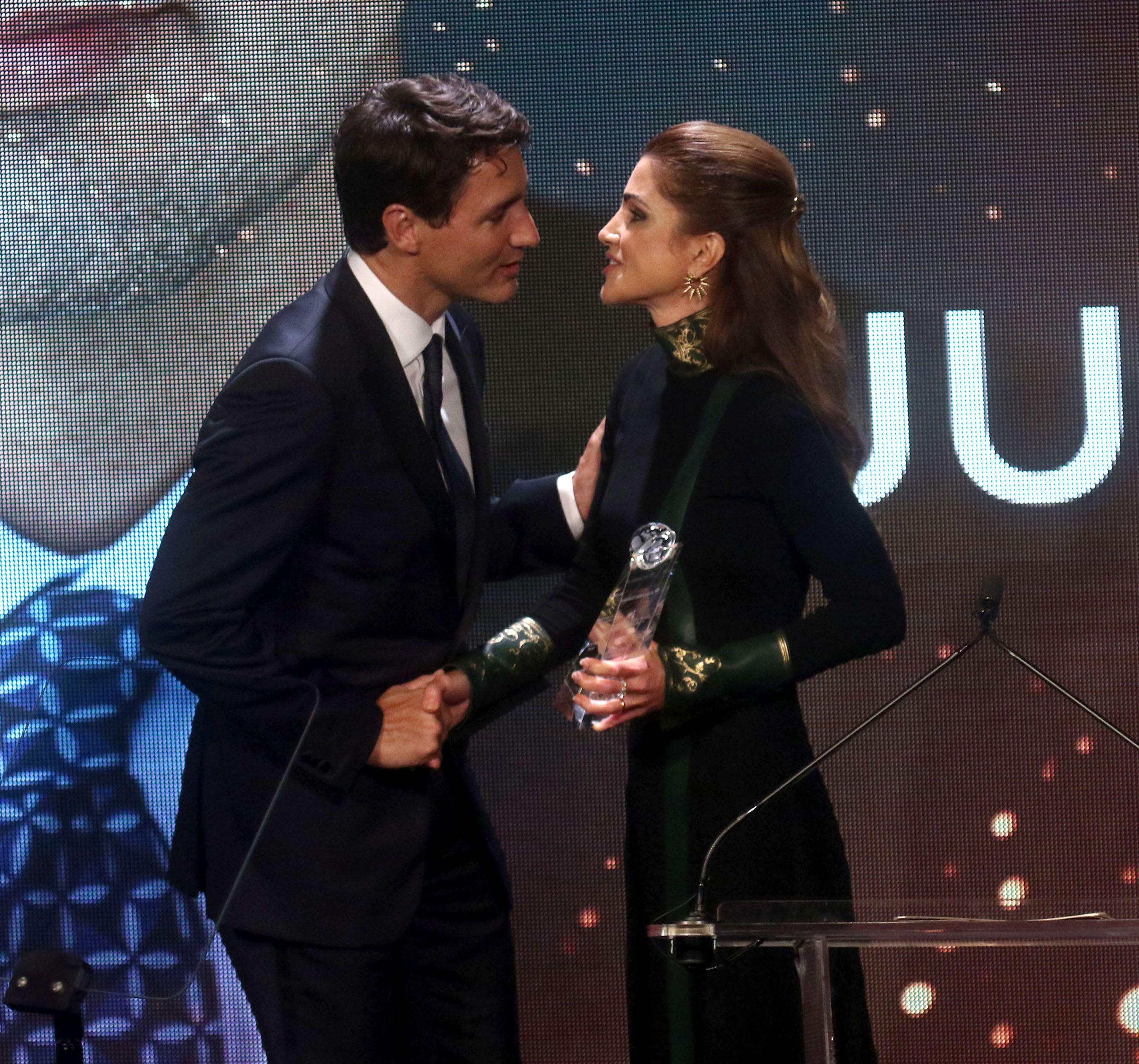 Public Royalty La Reine Rania De Jordanie Couronne Justin Trudeau
