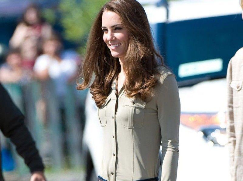30ec9fa913d Shopping   Vous pouvez désormais acheter les chaussures préférées de Kate  Middleton
