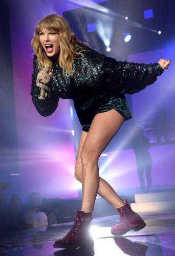 Taylor Swift délire dans son dernier clip, les fans demandent des comptes au réalisateur !