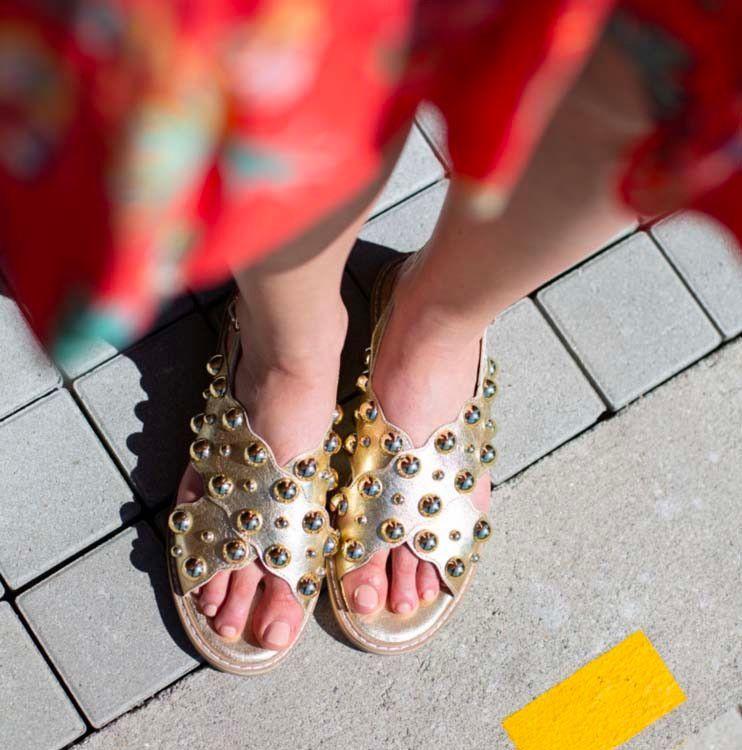 82ec132e6bd18b Vanessa Wu : sandales, mules, spartiates... 25 paires parfaites pour l'été  2019