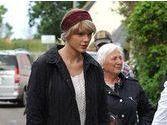 Taylor Swift : la maman de Tom Hiddleston en est folle, Calvin Harris se marre !