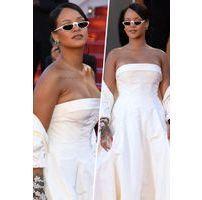 Photos : Cannes 2017 : Rihanna opte pour la sobritété et l'élégance pour sa première montée des marches