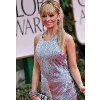 Photos : Golden Globes 2012 : Nicole Richie : sa nouvelle poitrine parfaitement moulée !