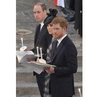 Photos : Attentat de Londres : Kate, William et Harry, le coeur brisé, consolent les familles des victimes
