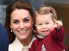 """Photos : Kate Middleton """"à la maison c'est Charlotte qui commande !"""""""