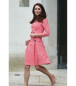 """Photos : Pour Kate Middleton, George et Charlotte sont une """"écrasante aventure"""" !"""