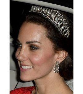 Photos : Kate Middleton porte la tiare de Diana pour une séance photo historique !