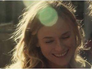 """Vidéo : Diane Kruger, ravissante amoureuse dans le clip """"Some Needs"""" de Rover"""