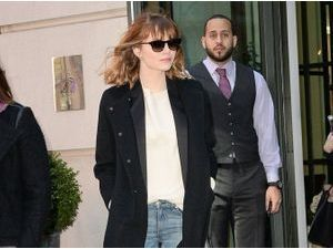Emma Stone en mode casual chic...