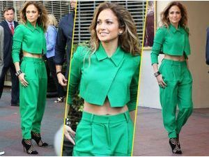 Jennifer Lopez : caliente... même en total look vert !