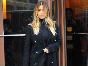 Kim Kardashian : jamais sans son manteau Céline !