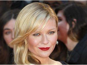 Kirsten Dunst toujours aussi élégante sur le tapis rouge !
