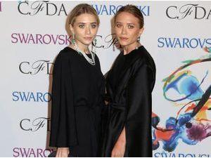 """Mary-Kate et Ashley Olsen : les deux """"black-addicts"""" fêtent leur 28 ans aujourd'hui !"""
