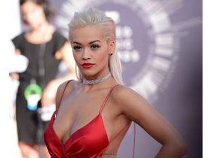 Rita Ora VS Demi Lovato : une blonde et une brune... pour un beauty look incendiaire !