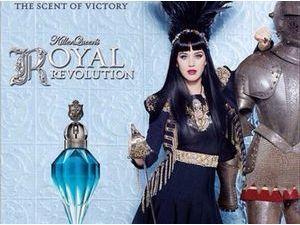 Beauté : Katy Perry : une pom-pom girl royale pour son dernier parfum !