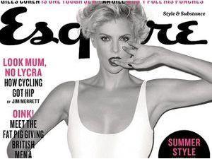 Mode : Charlize Theron : une actrice sexy et amoureuse en Une d'Esquire !