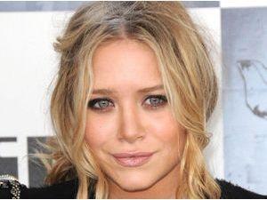 Mode : Mary-Kate Olsen : une robe de mariée faite maison ?