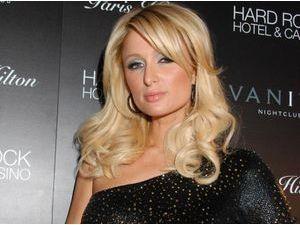 """Paris Hilton : """"Je suis dans cette industrie depuis tellement longtemps... Et je réussis !"""""""