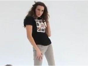 Mode : Katie Cassidy joue les joggeuses pour Foot Locker !