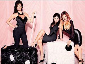 Mode : Kim, Khloé et Kourtney Kardashian : décolletés, cuir, poses sexy... Elles vous présentes leur nouvelle Kardashian Kollection !