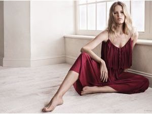 "Mode : Photos : Anna Ewers : la beauté germanique se la joue ""old school"" pour Mango !"