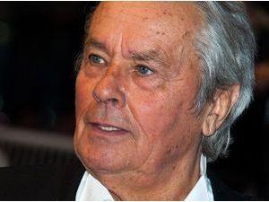 """Alain Delon : """"Je confirme et n'enlève ni n'ajoute un seul de mes propos"""" !"""