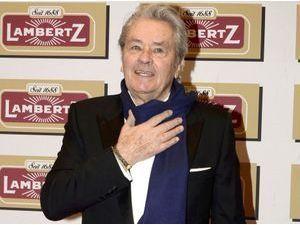 Alain Delon : l'acteur est sorti de l'hôpital après son hospitalisation en urgence !