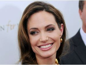 Angelina Jolie : ravie de ses cyber-nounous !