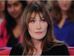 """Carla Bruni : elle défie Nicolas Sarkozy et se déclare favorable au """"sexe pour tous"""" !"""