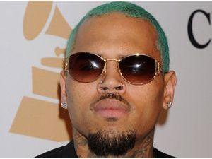Chris Brown : refoulé à la frontière canadienne, il annule deux concerts !