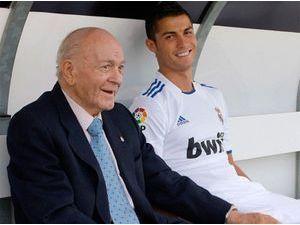 Cristiano Ronaldo : il rend hommage à Alfredo Di Stefano !