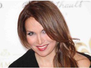 """Hélène Segara : elle est de retour avec un nouveau single """"Tout commence aujourd'hui"""" !"""