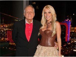 Hugh Hefner : à 86 ans, le patron de Playboy a épousé une jeunette de 26 ans !