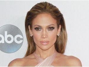 """Jennifer Lopez : """"Aujourd'hui c'est le retour du booty charnu"""" !"""