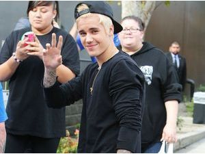 """Justin Bieber : en couple avec Hailey Baldwin ? """"Je suis super célibataire"""" !"""